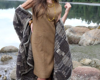 Vintage classic and elegant tweed sleeveless mustard coloured dress
