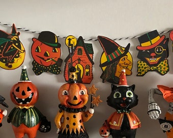 Miniature Vintage Halloween - Retro HANGING BUNTING BANNER Garland - Choose 1/6 Scale or 1:12 Scale Miniature