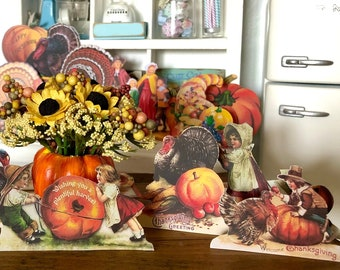 THANKSGIVING Fall - DUMMY BOARD Decoration - Free Standing - Vintage Style Retro Children - 1/6 Scale or 1:12 Scale Miniature