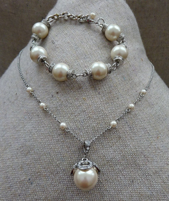 Vintage Pearl and Rhinestone Necklace and Bracelet