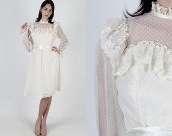 70s Ivory Swiss Dot Bridal Dress / 1970s Floral Lace Country Dress / Plain Southern Antique Wedding / Womens Peasant Mini Midi Dress