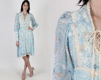 Vintage 70s Paisley Floral Dress / Renaissance Style Festival Outfit / Lace Up Prairie Corset Bodice / Medieval Lace Trim Mini Dress