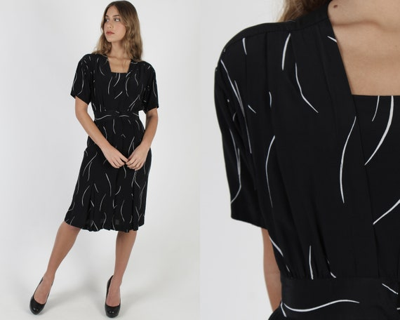 Simple Black Striped Dress / Vintage 80s Wrap Bod… - image 1
