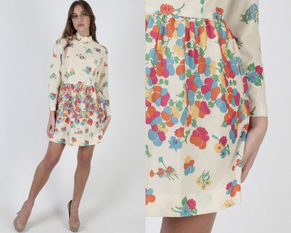Bright Floral Stretchy Dress / High Collar Ivory F