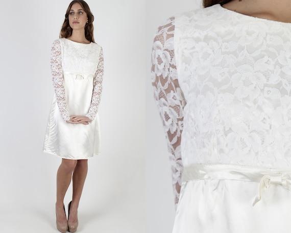 Vintage 60s Mod Wedding Dress / White Floral Lace