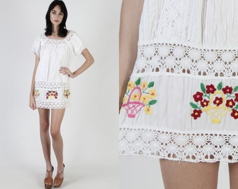 White Crochet Mexican Tunic / Vintage 70s Bright Floral Embroidered Dress / Womens White Cotton Crochet Lace Pintuck Tent Mini Dress