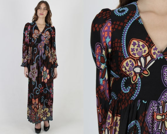 Psychedelic Paisley Maxi Dress / Vintage 70s Abstr