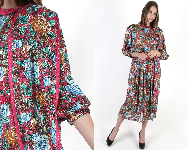 Vintage Scarf Styles -1920s to 1960s Diane Freis Scarf DressWomans Gold Chains Fres Vintage 1980S Pink Shiny Maxi $115.20 AT vintagedancer.com