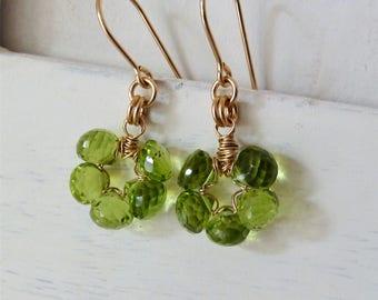 Peridot earrings. August Birthstone. Dangle earrings. Wire wrapped handmade earrings. Peridot. Leo. Zodiac. Cluster earrings. Birthstone
