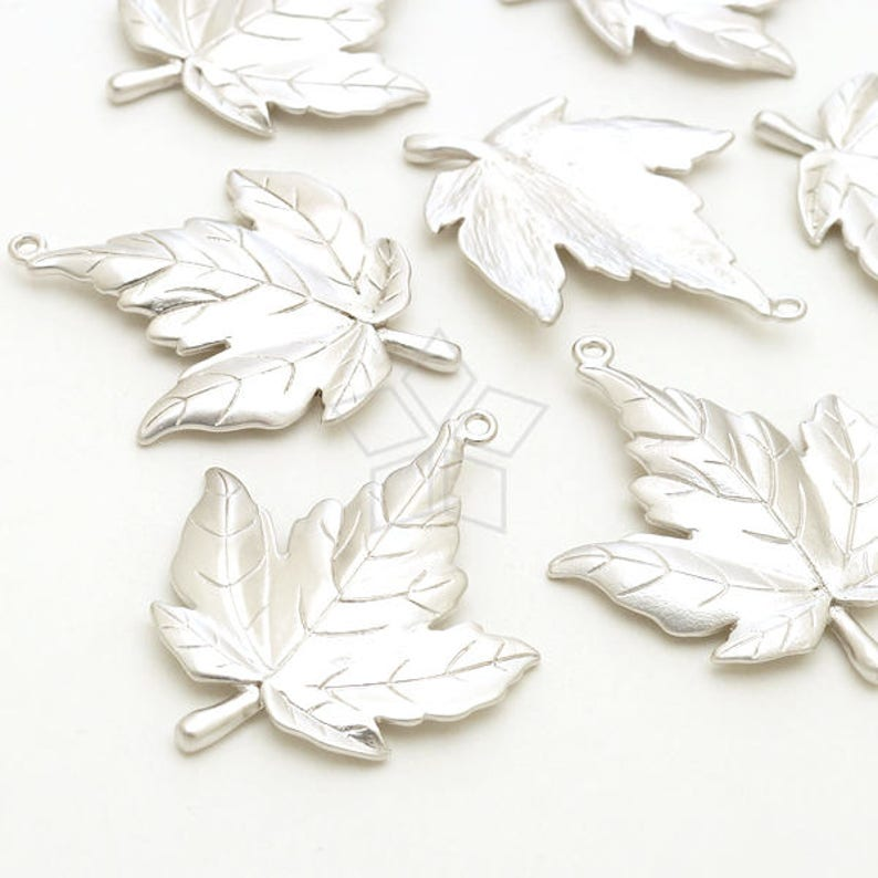 PD-2468-MS  2 Pcs Woodland Nature Necklace Charm Matte Silver Plated over Brass  26mm x 32mm Big Canada Maple Leaf Pendant