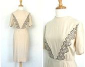 1950s Dress - 50's wiggle dress - 50s cotton dress - tea dress - cream wedding dress - midi - Donovan Galvani - small medium