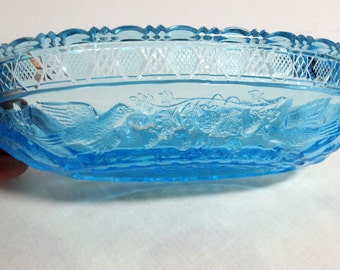 Aqua Glass Candy Dish Doves Motif Home and Garden Kitchen and Dining Serveware Tableware Bowls