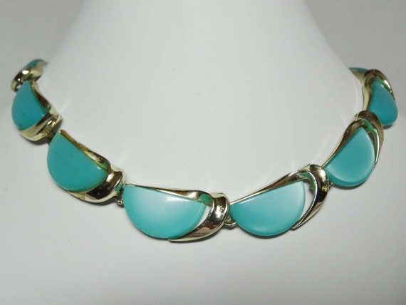 """By """"Lisner"""" Acrylic Turquoise Blue Cabochons. Neck"""