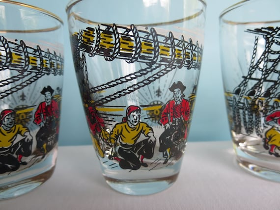 Libbey Treasure Island Tall Pilsner Beer Glass Set of Two Vintage Pirate 2