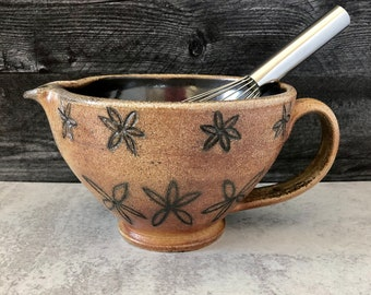 Pottery Batter Bowl, Floral Pattern, Ceramic Mixing Bowl with Spout, Bowl with Handle, Kitchen Pottery Decor, Floral Pottery Bowl.