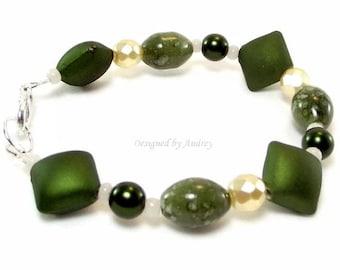 Bracelet - Green and Creamy White Beaded Bracelet Set - Green Bracelet
