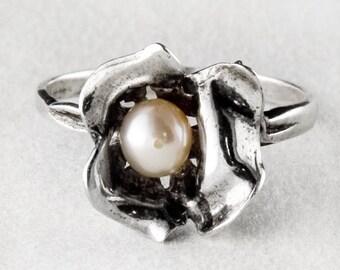 Cute Pearl Sterling Silver Flower Ring
