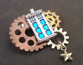TARDIS Brooch - Steampunk Doctor Who Pin