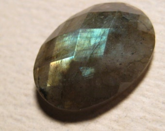 Facet topped  Labradorite cab .............         18 x 13 x 5mm     .....         4049