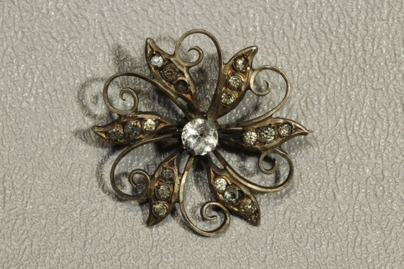 Georgian Black Dot Paste Sterling Silver Flower Pi