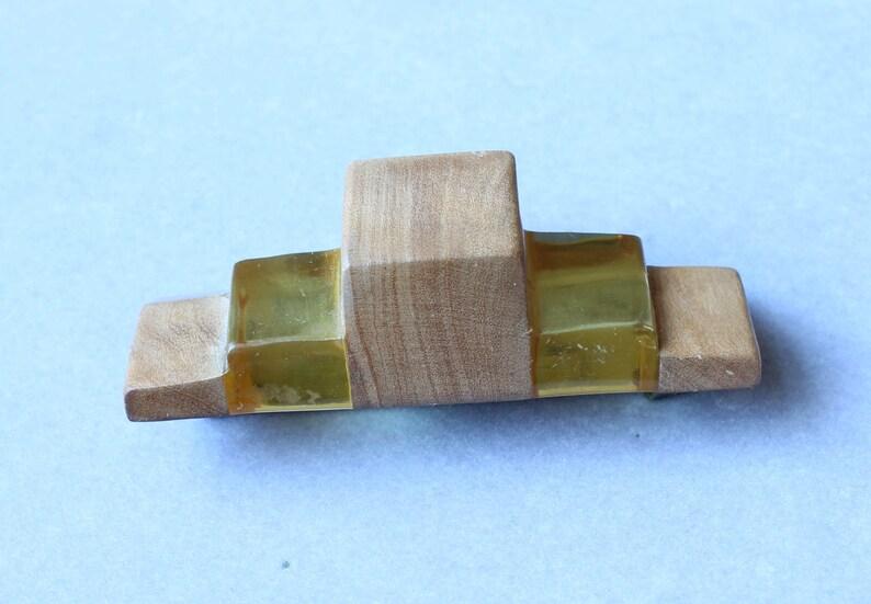 ART DECO Bakelite Wood Pin Brooch 1930s Carved Apple Juice Bakelite