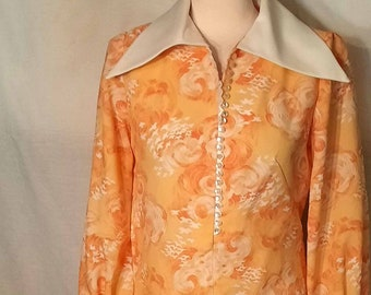 Vintage 1970s A Line Peach Cream and White Dress with Wide White Collar Cuffs and Edwardian Sleeves