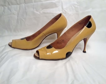 Vintage 1950s Andrew Geller Yellow Patent Leather Polka Dot Peep Toe Stiletto Pumps Rockabilly Style