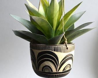 S C A L L O P || tribal ceramic hanging planter