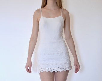 50s White Textured Scalloped Daisy Pin Up Playsuit xs s