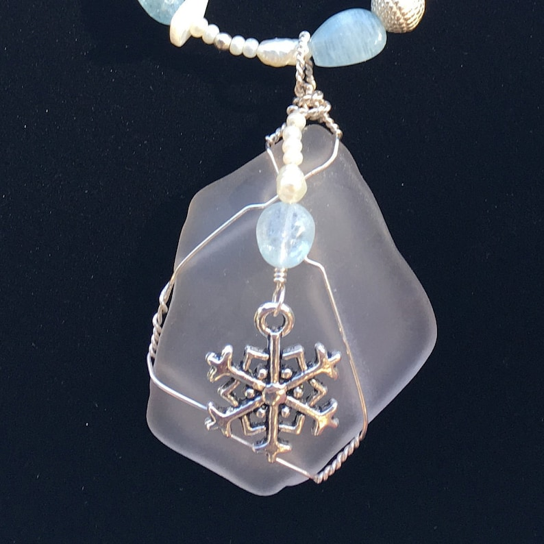 One Winter Necklace image 0