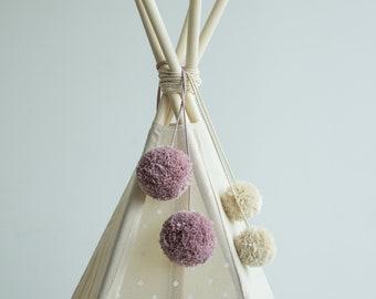 Lilac Pom Pom Balls: Accessory for Teepee Decoration