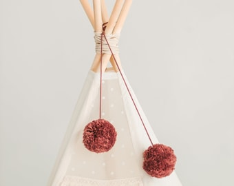 Red Brown Pom Poms Balls Decoration - Teepee Tent Decor - Teepee Toppers