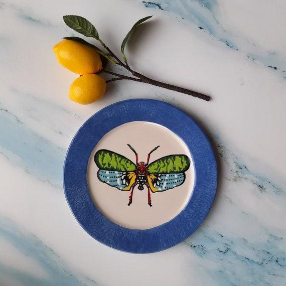 BUG OUT WARE Dinner Plate: Rainbow Gang Cicada
