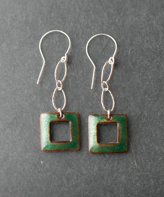 Basse Taille Enamel Dangly Green Square Earrings
