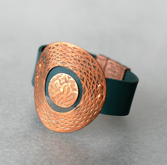 Patterned Copper Double Ring Leather Bracelet
