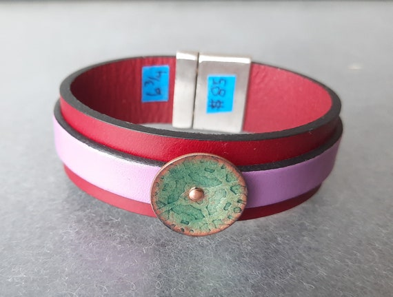 COLOR POP! Raspberry Haze Leather & Basse Taille Enamel Bracelet