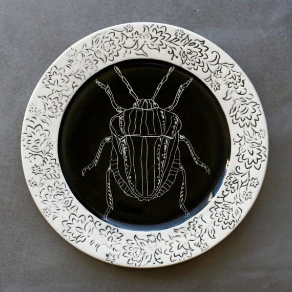 BUG OUT WARE Reverso Stripey Beetle Dinner Plate