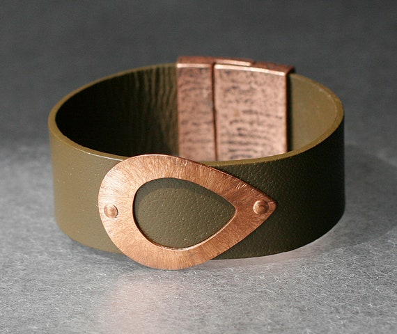Hammered Teardrop Copper and Leather Bracelet