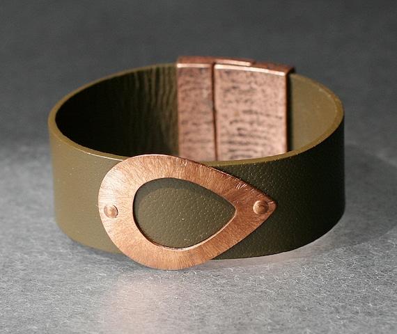 Hammered Teardrop Copper and Leather Bracelet
