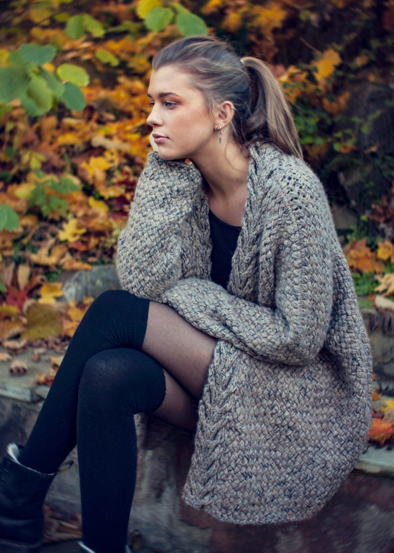 KNITTING PATTERN  Dreamy Weave Cardigan  Relaxed Fit  image 0