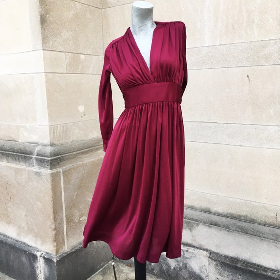 Vintage 70s Burgundy Wine Red Fitted Tie Waist Dre