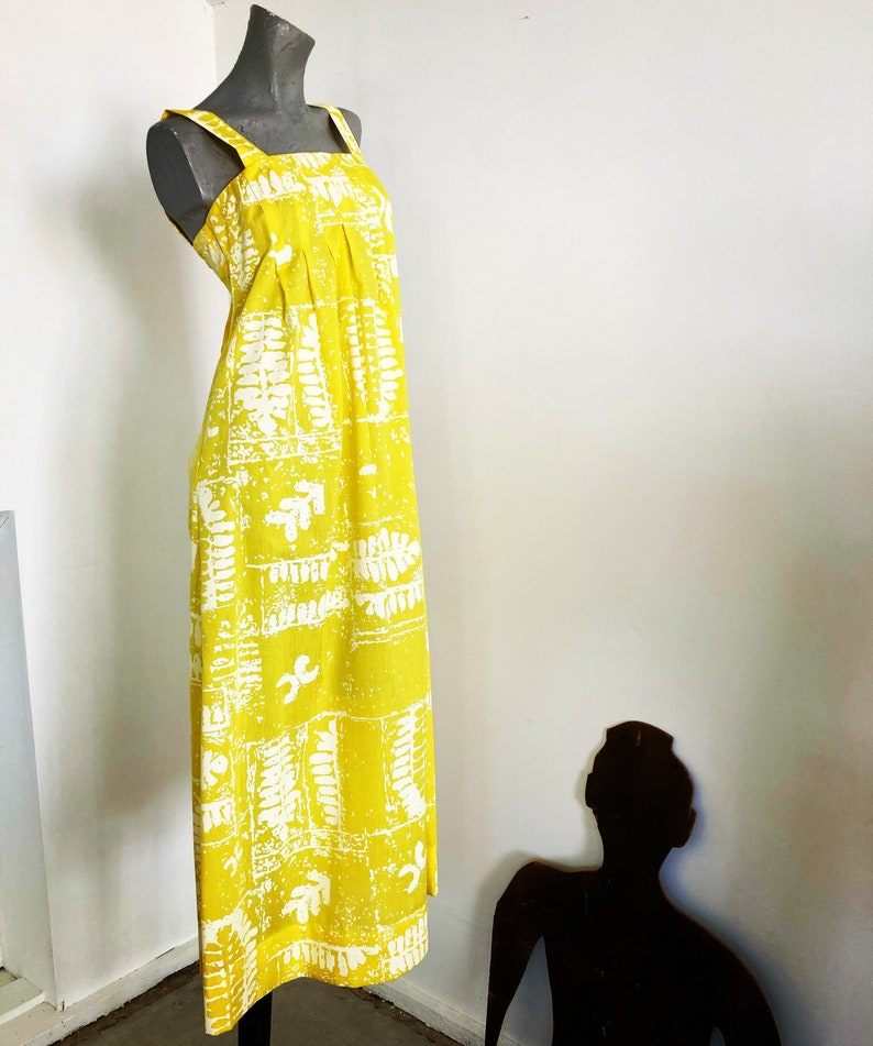 Vintage 70s Sun Yellow and White Crisp Cotton Extra Small Maxi Dress with Flowers