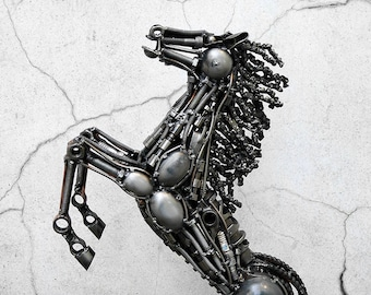 Recycled Metal Horse (Medium item)