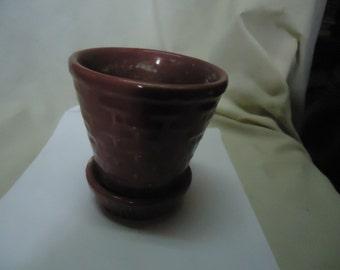 Vintage Morton USA Purple or Magenta Planter, collectable. Pottery