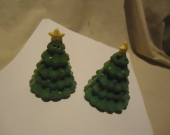 Vintage Christmas Tree With Yellow Star Set Of Salt and Pepper Shakers, Have Stoppers, collectable