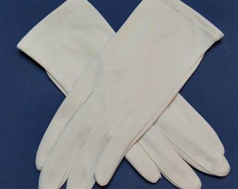 Size 6-1/2 Vintage Light Taupe Wear-Right Nylon Gloves