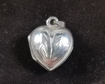 VIntage 925 Sterling Silver Etched Puffed Heart Pendant Locket Keepsake Charm