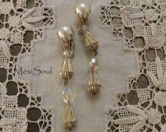 Vintage 1960's Pearl Drop Clip Earrings, Vintage Bridal Jewelry, 60's Bride, Retro, Vintage 60's Earrings
