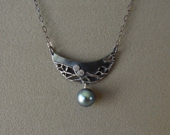 Oxidized fine silver with Tahitian pearl