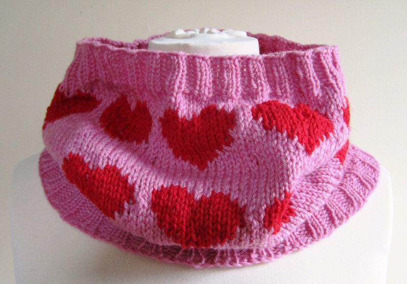 Heart Cowl Scarf Neck Warmer Wool Hand Knit Red Pink image 0